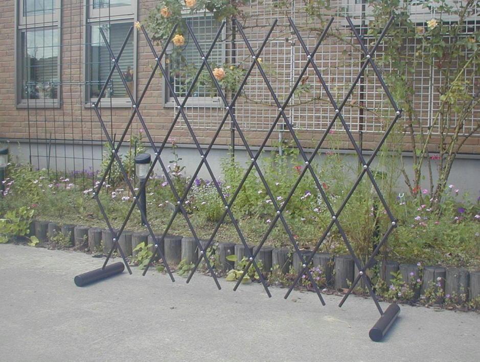 http://gr-garden.com/easyfence-garden1.jpg