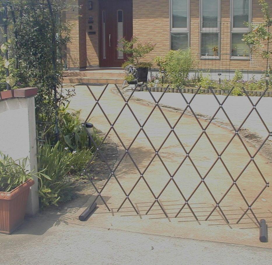 http://gr-garden.com/easyfence-gate7.jpg