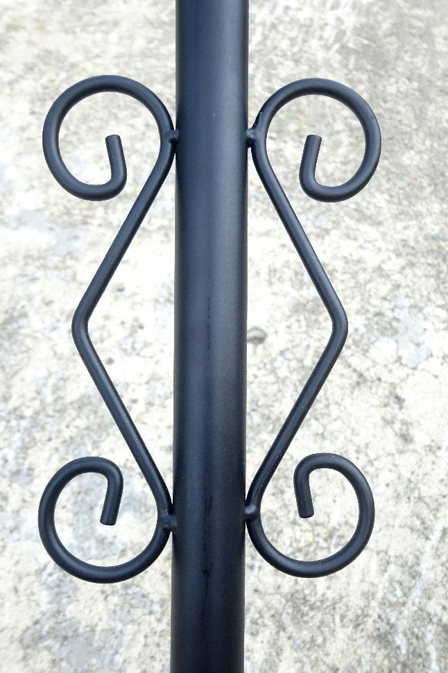 http://gr-garden.com/item/fence/chainstand-deco.jpg