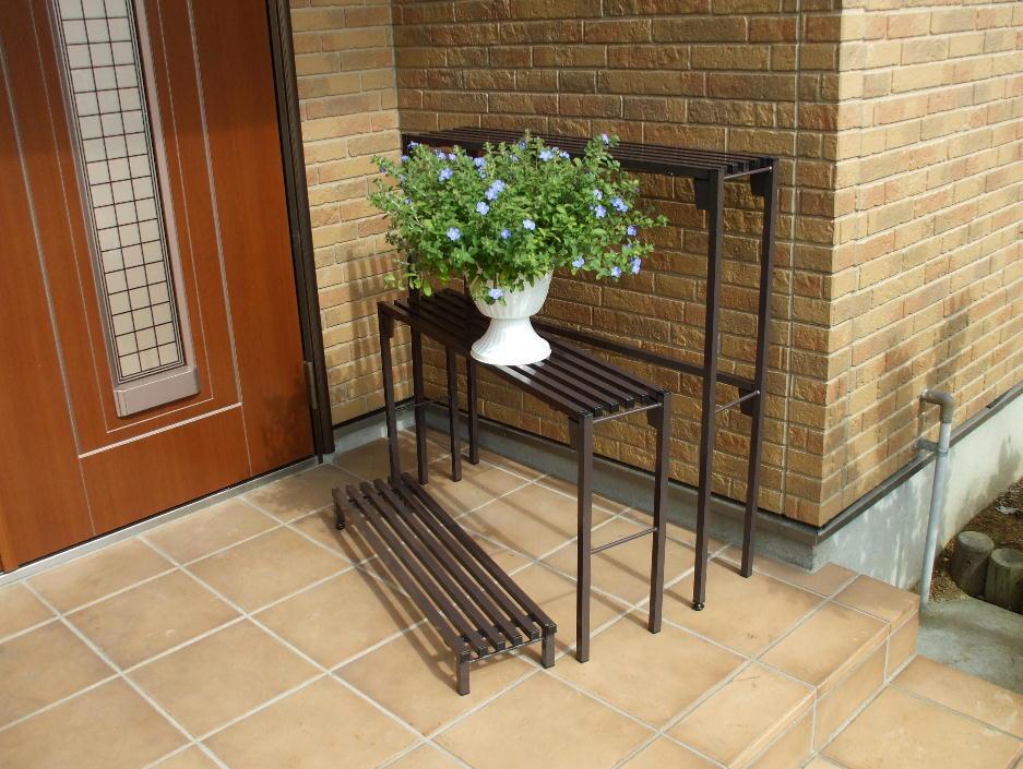 http://gr-garden.com/item/flower_stand/flower-senka-hina1.jpg