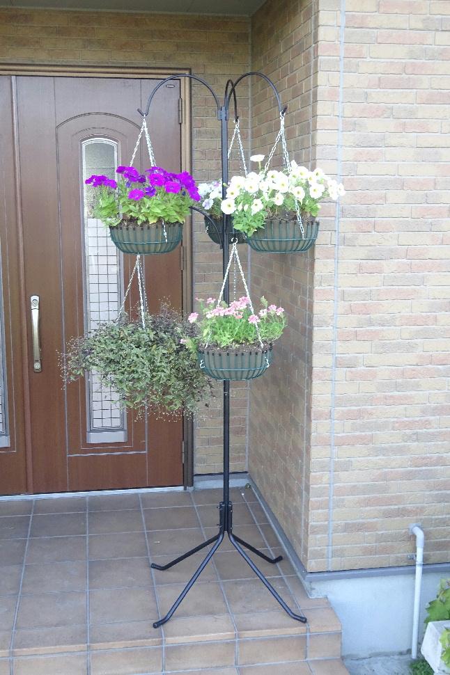 http://gr-garden.com/item/hanging/gardenpole-image1.jpg