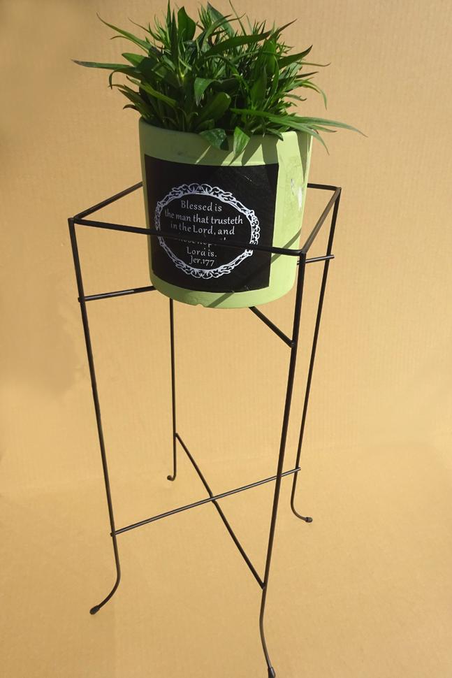 http://gr-garden.com/item/planter/329image3.JPG